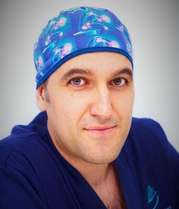 Dr. Pablo Martínez - Traumatólogo en Alicante | KLINIK PM